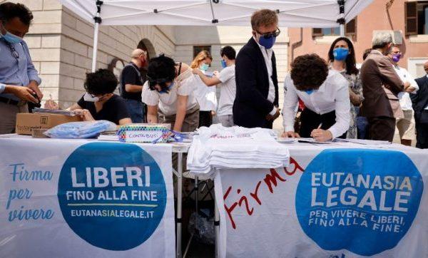 EUTANASIA LEGALE: AL VIA LA RACCOLTA FIRME PER IL REFERENDUM