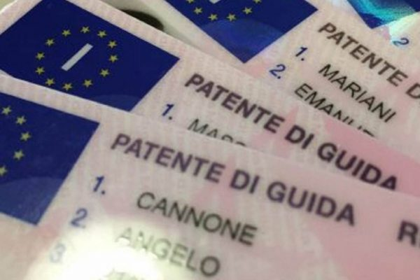LA UE PROROGA VALIDITÀ DELLE PATENTI DI GUIDA.