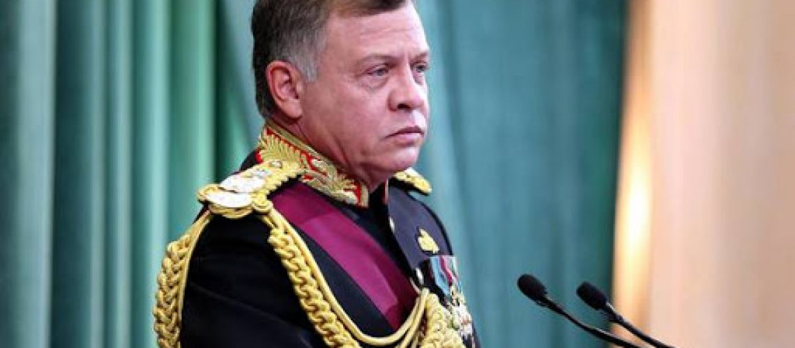 epa06324569 King Abdullah II of Jordan gives the Throne speech at inauguration of the 18th parliament session in Amman, Jordan, 12 November 2017. The Jordanian king gave the throne speech to open the 18th Parliament's second ordinary session to guide the government with a working program for the coming phase.  EPA/STR
